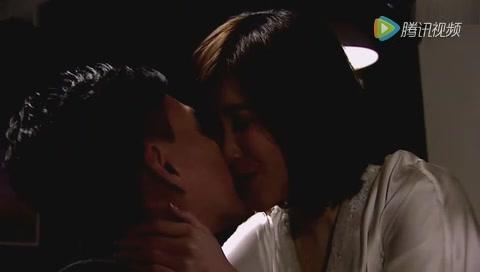 黃宗澤的演技爆表,《幕后玩家》不顧母親喪禮繼續找劉佩玥甜蜜