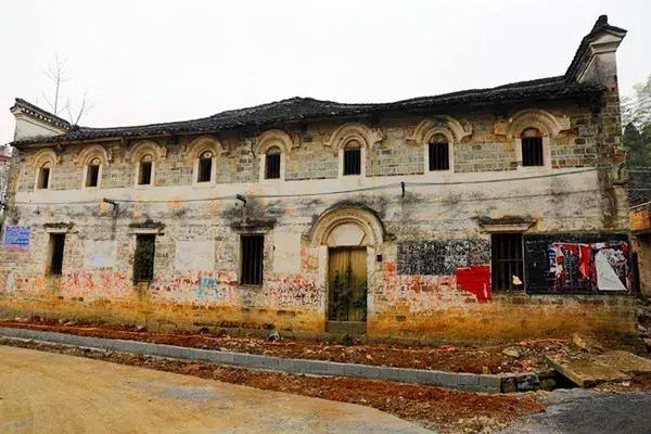 零陵区大庆坪乡首现罕见的清代欧式古建筑