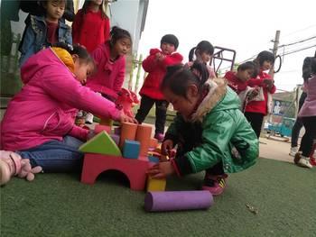 幼儿园盖房子区域材料图片