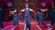 《热血街舞团》冯正率帮跳展现默契齐舞