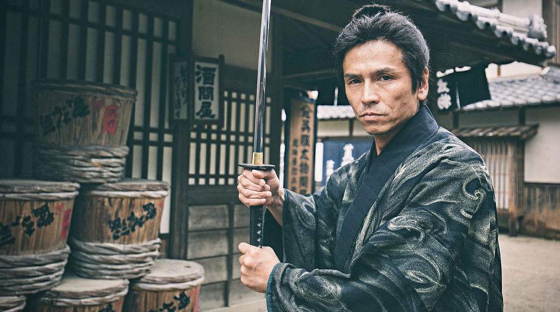 日本武士最初是怎么产生的,他们效忠的对象是日本天皇吗