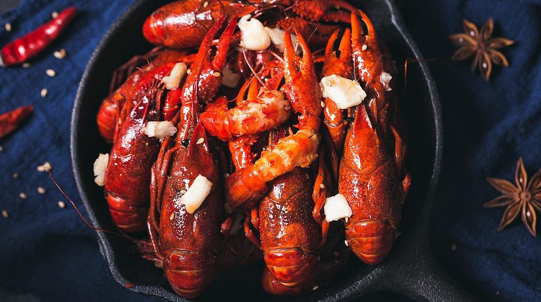 """吃到""""灭绝""""的外侵物种!中国人是多么爱吃小龙虾?!"""