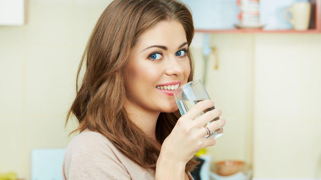 喝生水,到底对身体好不好?的头图