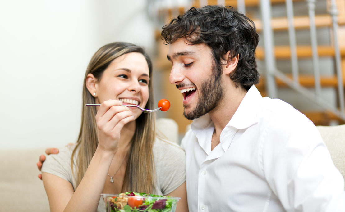 为啥吃饭时经常咬到舌头?真的是馋肉了