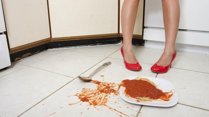 食物掉地上,5秒内捡起来就可以食用吗?